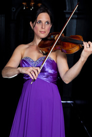 Eloise Prouse, violin, violinist, Brook Trio,