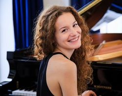 Lena Napradean, piano, pianist, duo, duet, four hands,