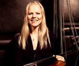 Jacqueline Phillips, cello, violoncello, cellist,